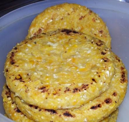arepa de maíz pelado
