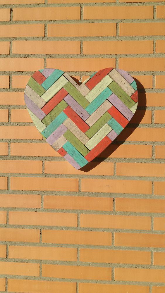 Decoración de paredes con corazones