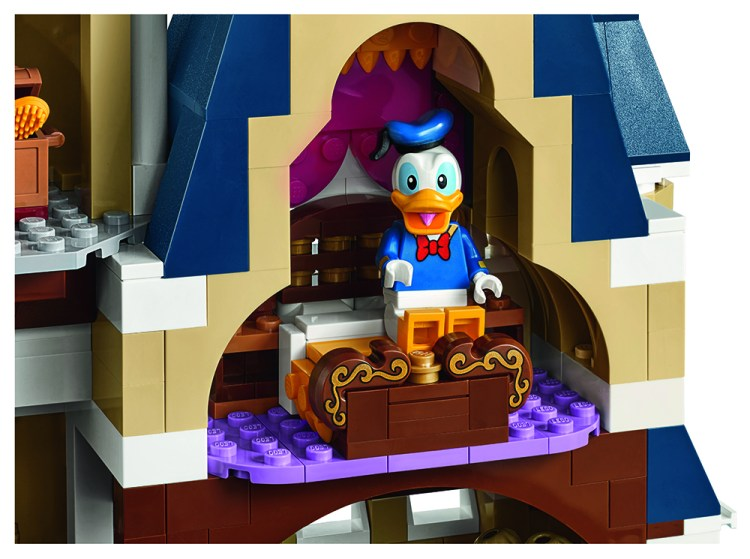 lego_disney_castle_back_2