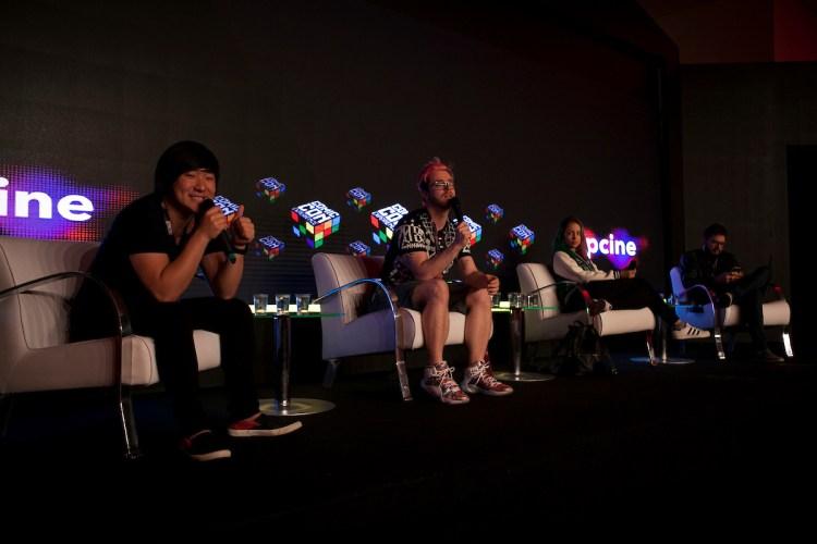 São Paulo, 01 de dezembro de 2016. Cobertura do evento CCXP 2016 no São Paulo EXPO.Palestra: Como eu virei um Creator? - FOTOS: Andre Conti