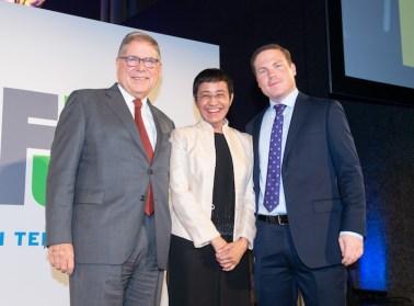 Alberto Ibargüen (left), president, CEO and trustee of Knight Foundation, presented the 2018 Knight International Journalism Award to Maria Ressa and Joseph Poliszuk.