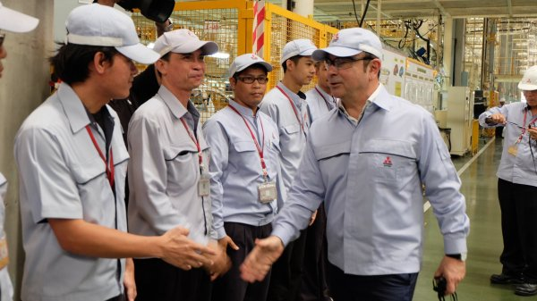 Carlos Ghosn goes for glory with tie-up in Southeast Asia
