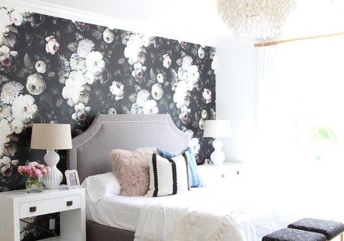dark-floral-wallpaper-bedroom-2