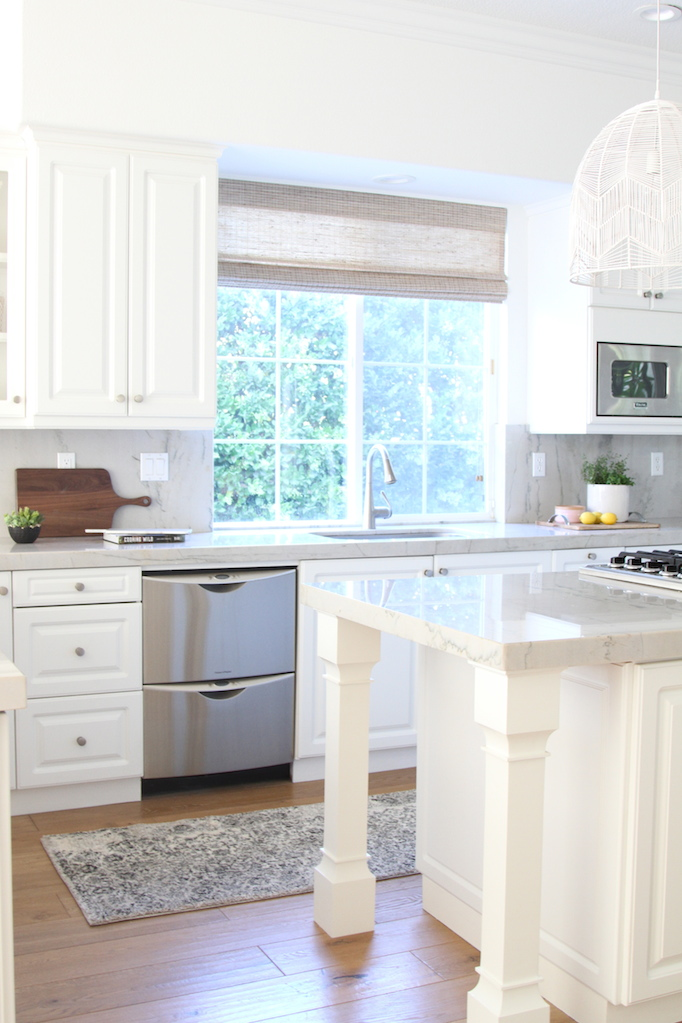 las-palmas-kitchen-becki-owens-black-and-white-rug-2