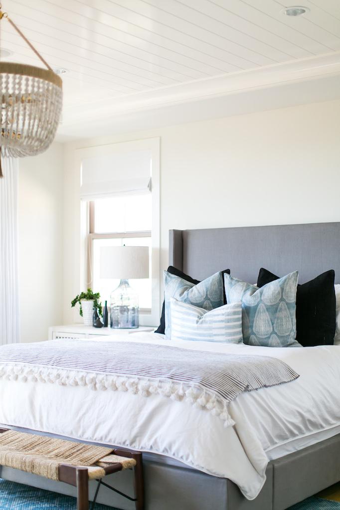 estillo-master-bedroom-becki-owens-4