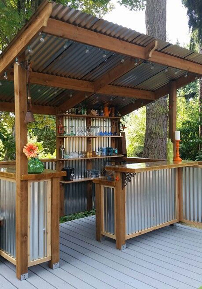 Five backyard bars you'll want to build immediately - 9Homes on Backyard Bar With Roof id=65669