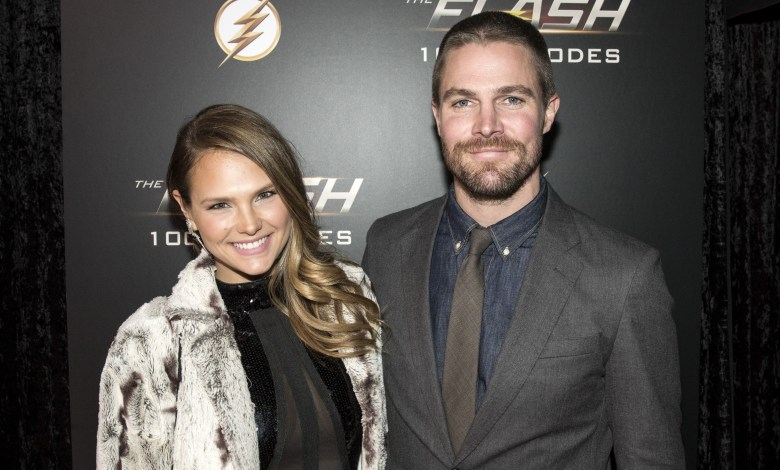 Arrow star Stephen Amell addresses claim he was 'forcibly removed' from flight after argument with wife