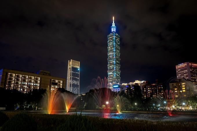 taipei 101 building at night taipei