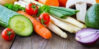 8 alimentos para plantar em casa e ter uma Alimentação Mais Saudável