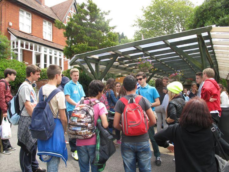 Grupos de escolares nos visitan