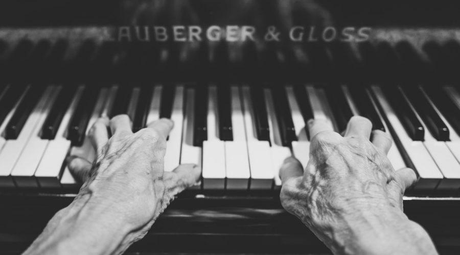Cómo sonar natural sin tocar un instrumento
