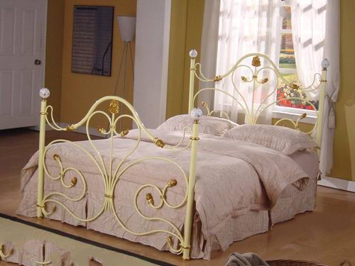 Steel Bed 5 X 7 Feet Off White Color Powder Coated