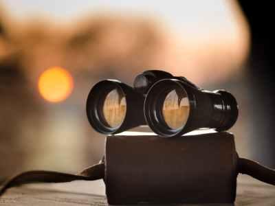 black binocular on round device