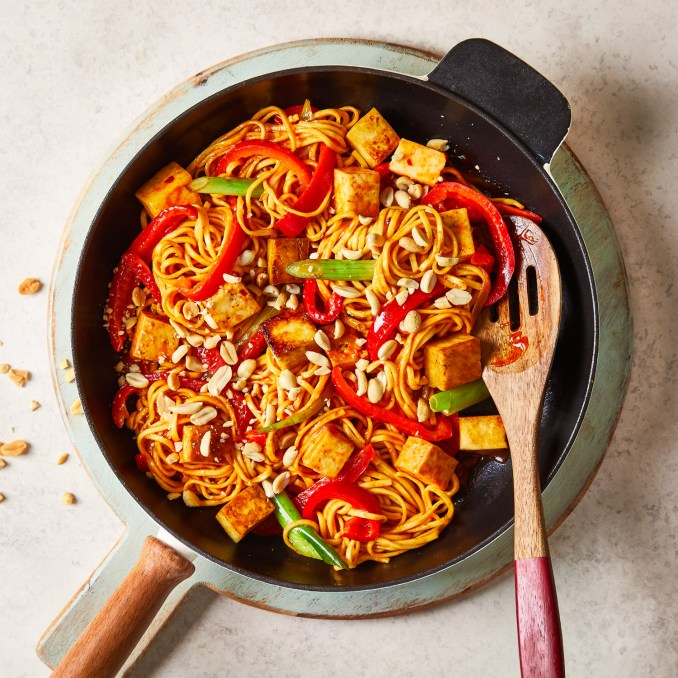 10-Min Spicy Chilli Paneer Noodles Recipe | Gousto