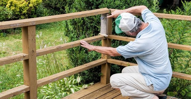 The 10 Best Wrought Iron Railings Contractors Near Me | Wood And Rod Iron Railing | Wooden | Dark Stained | Wrought Iron | Pipe | Simple Modern