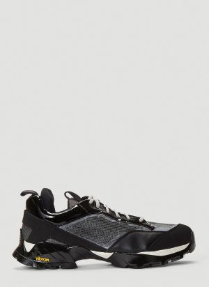 ROA Lhakpa Sneakers in Black