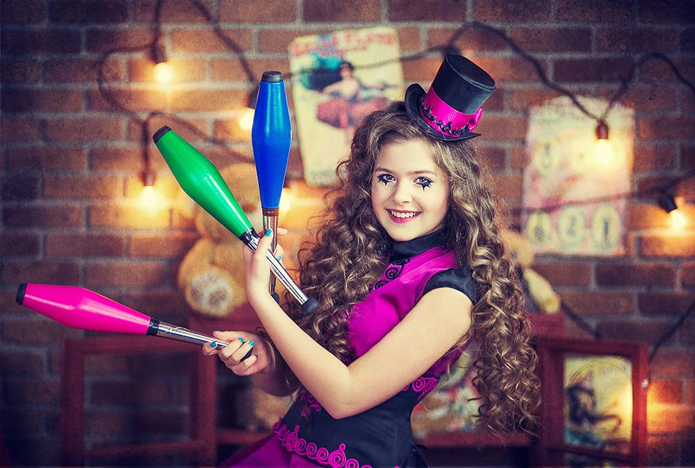 Pretty girl juggling