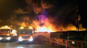 Foto del Mundo – Incendio con disolventes