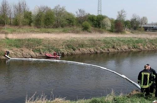 Absorbentes de emergencia ante derrames de líquidos peligrosos en ríos
