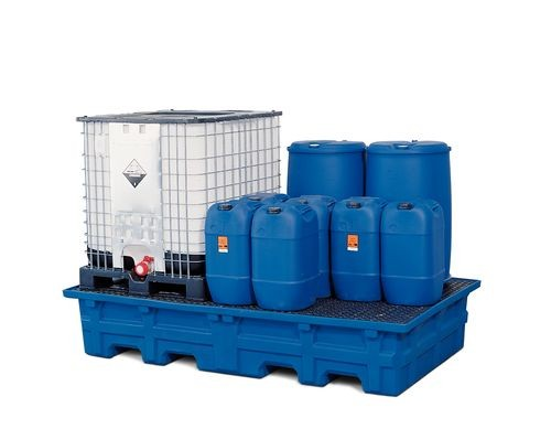 Ejemplo de cubeto de plástico DENIOS para GRG, garrafas y bidones y prevenir los vertidos residuales