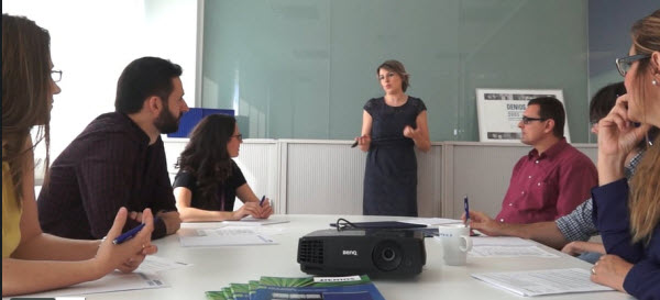 Carolina García Bailo con el equipo de DENIOS