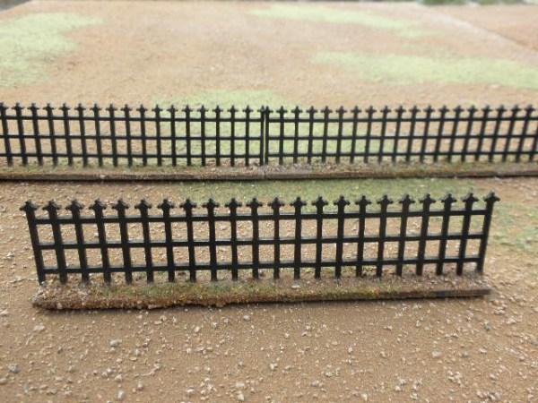 Iron Railings 28mm. 32mm high