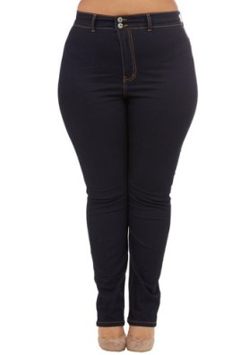 On a Roller Derby Jeans in Plus Size