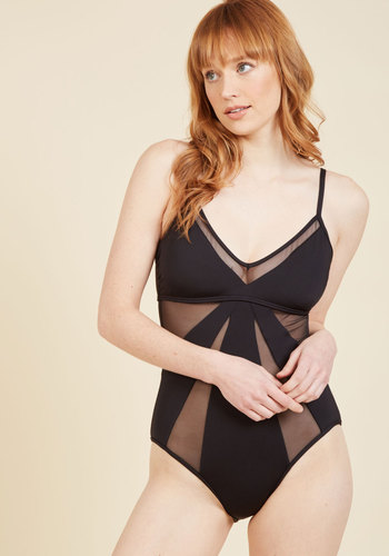 Resort Relaxation One-Piece Swimsuit in L