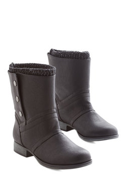 Flat & Low Heel Boots - Wait Up! Boot