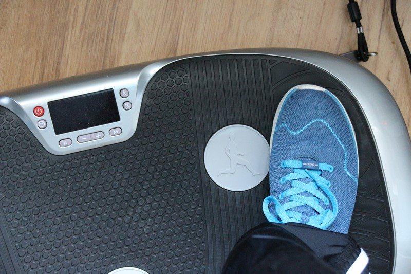 maxxus mobile vibrationsplatte lifeplate 3 1 im test. Black Bedroom Furniture Sets. Home Design Ideas