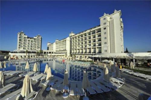 Lake-River-Side-Hotel-SPA