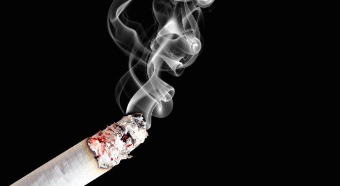 Фото курящей телки — photo 10