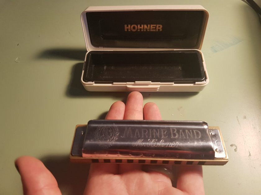 harmonica marine band, jouer de l'harmonica