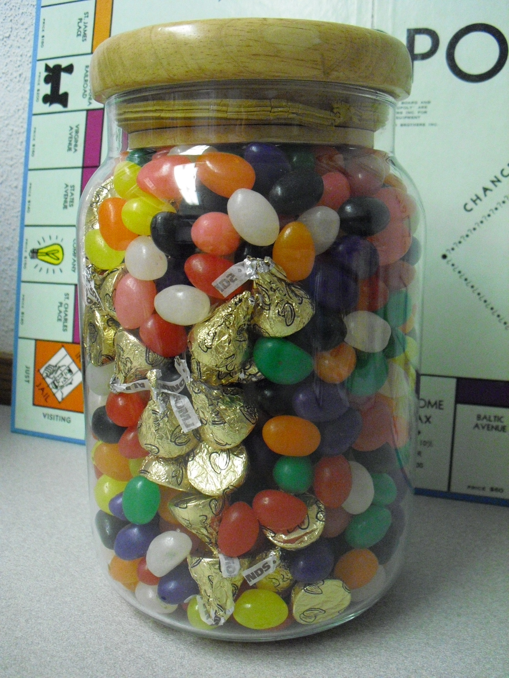 Counting Contest Guess Jelly Bean