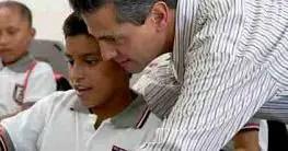"""""""La computadora no resuelve el tema de la educación, es el maestro"""":  Peña Nieto."""