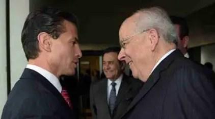 El Presidente Enrique Peña Nieto y el empresario Claudio X. González Laporte