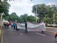 No cesan protestas por despido de maestros; cordura pide SETAB