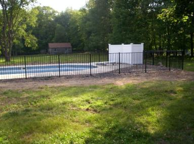 Here, OnGuard Heron Style 48 inch pool fence is installed with an Illusions 5 foot tall T&G privacy vinyl privacy panel to enclose the filter. Vinyl fence around the filter acts as sound deadening so you can enjoy your pool in peace and quiet.