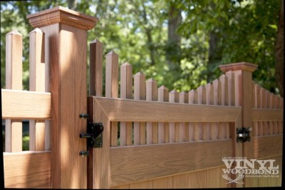 A matching V3707 Grand Illusions WoodBond gate. All Illusions gates are available in widths of up to six feet for single leaves and 12 feet for double gates. We suggest the Illusions 'X-Tra Strong' hinge for use with gates over 4 feet.