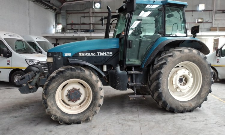 New Holland TM125 Agrotec 61