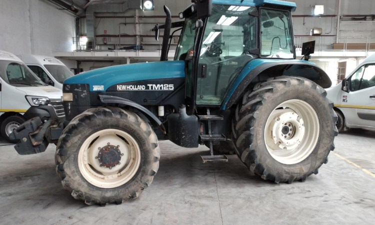 New Holland TM125 Agrotec 64