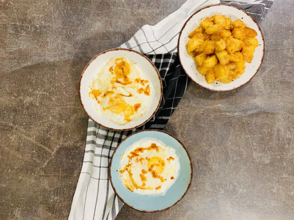 яйца по панагюрски и задушени картофи