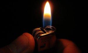 Mengapa Korek Api Bisa Menyala
