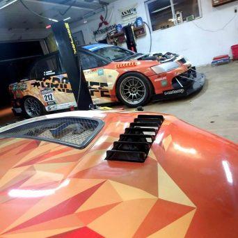 Mitsubishi Evo with Professional Awesome Racing Hood Vents