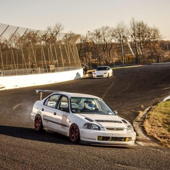 Honda Civic with Professional Awesome Racing Hood Vents 1