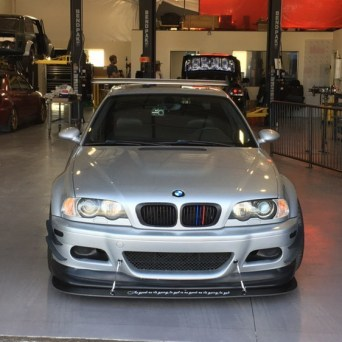 BMW with Professional Awesome Racing Splitter Supports 1