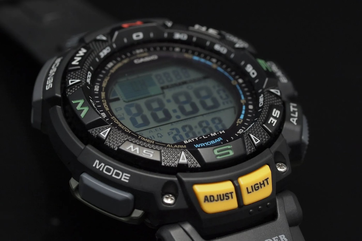 Casio Pathfinder Triple Sensor Multi-Function Sport PAG240-1CR