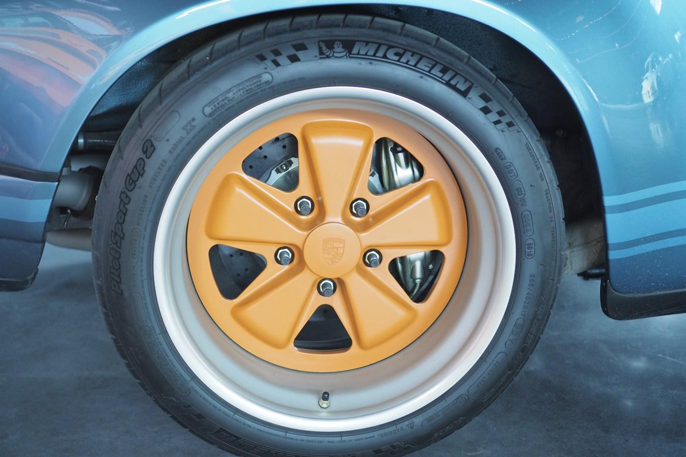 Singer Porsche 911 wheel
