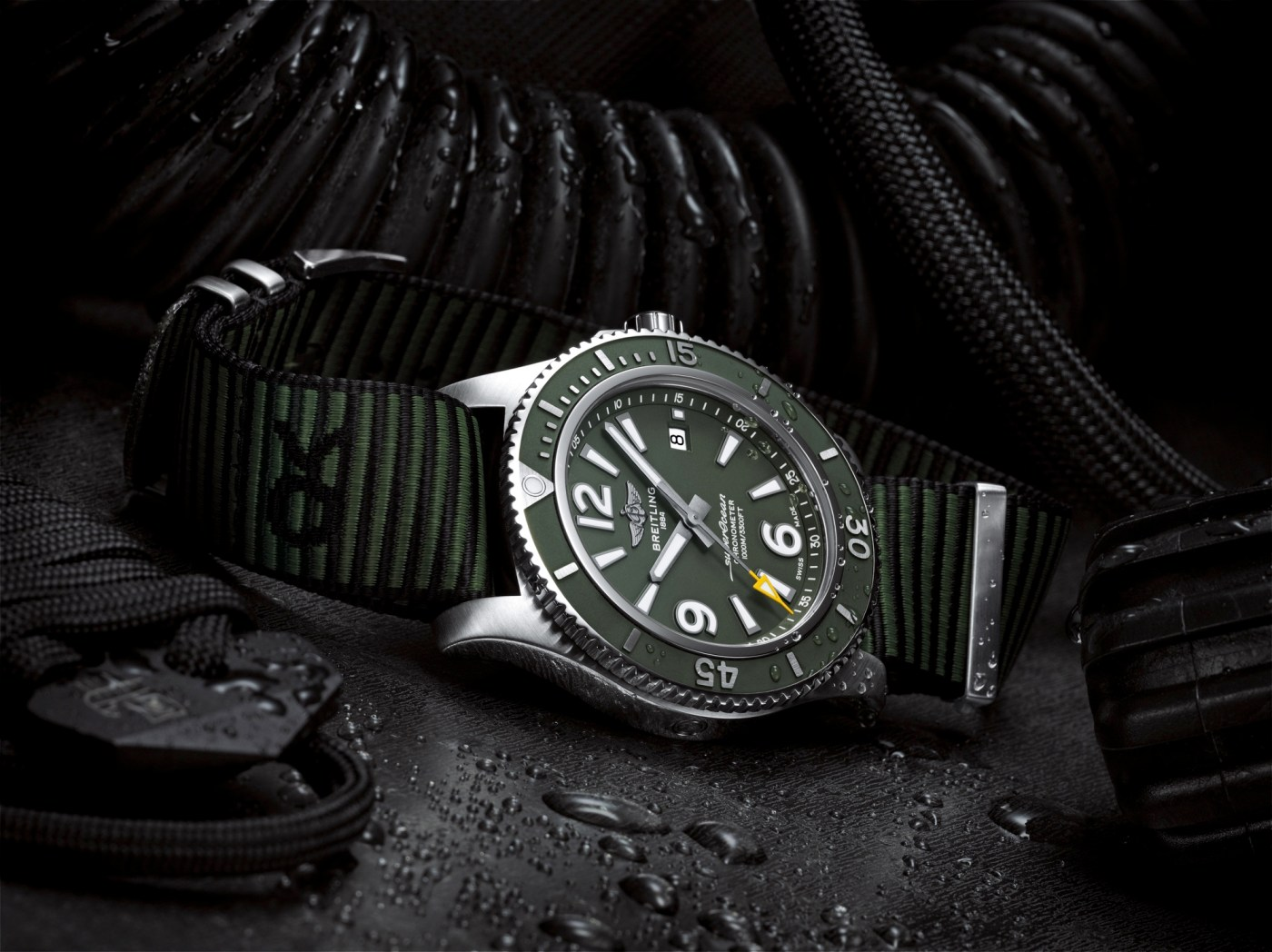 Breitling Superocean Automatic 44 Outerknown side