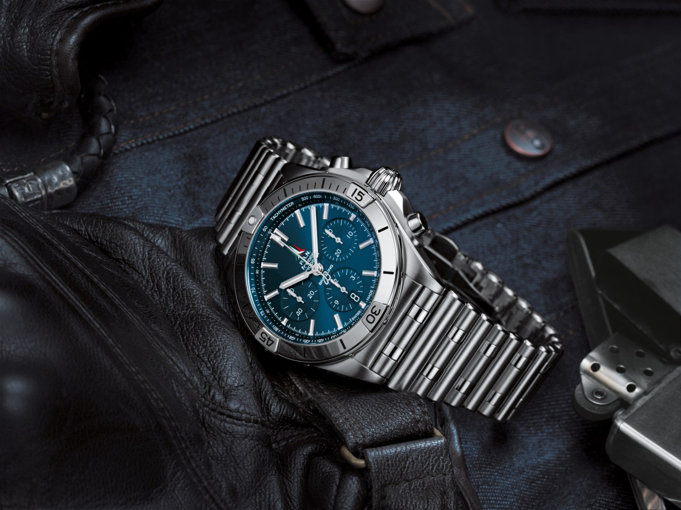 Chronomat B01 42 Frecce Tricolori Limited Edition with a blue dial and tone-on-tone chronograph counters